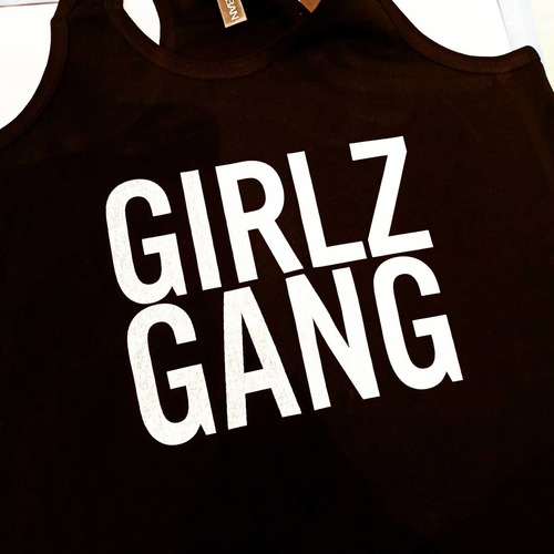 Nouveau teesh dispo ! Collection GirlzGang 👊 #PantoneShop #Design #Textile #GirlzCrew